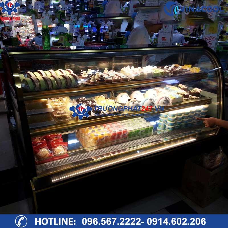 tủ trưng bày bánh dài 1m8