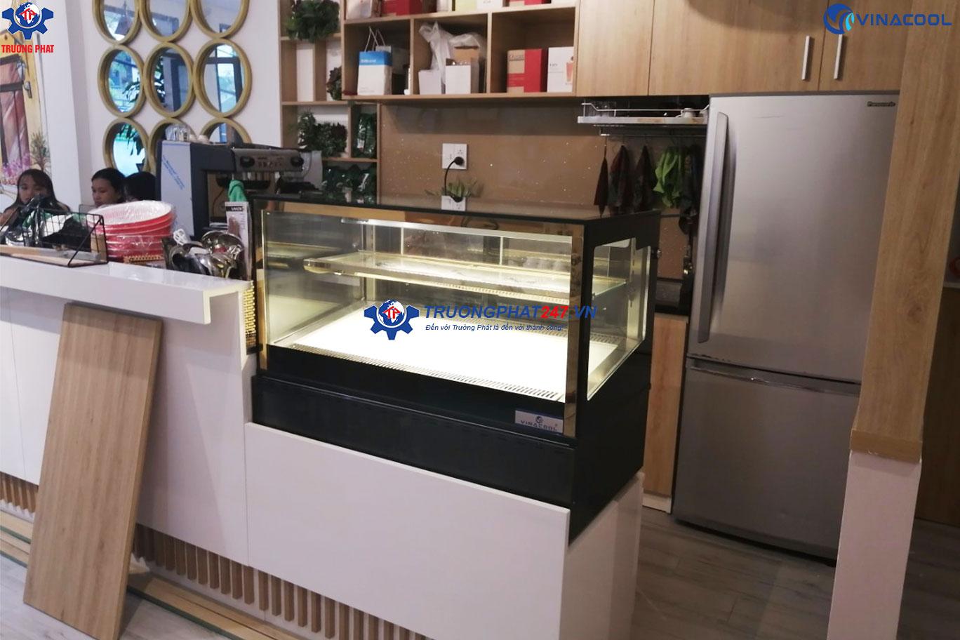 tủ bánh ngọt mini để bàn kính vuông dài 90cm