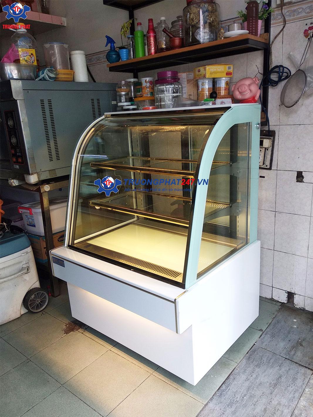 tủ để bánh ngọt 90cm 3 tầng màu trắng