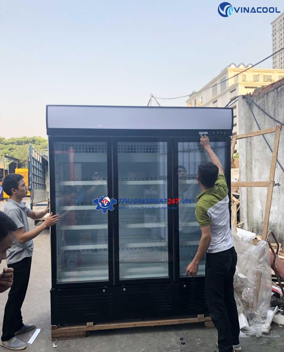 Tủ đông đứng 3 cánh kính SLD-1840F trưng bày thực phẩm số lượng lớn
