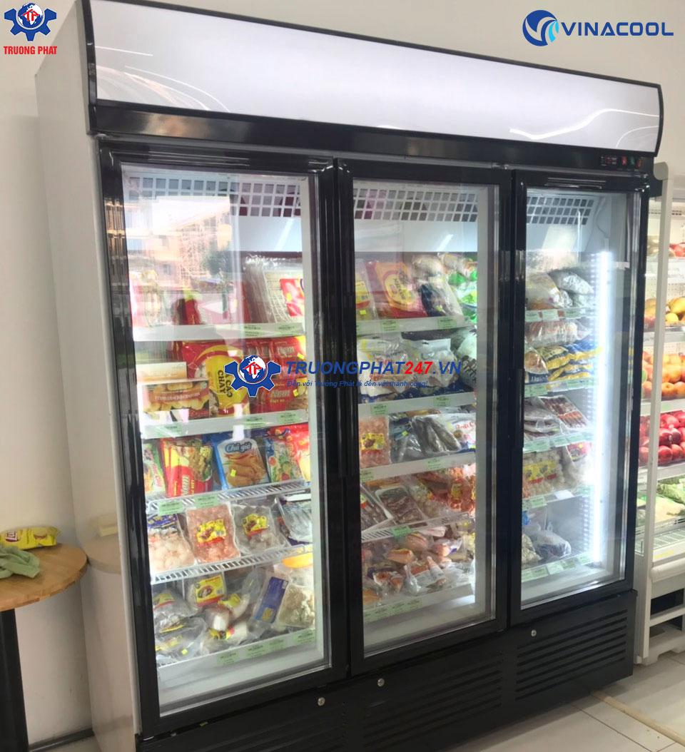 tủ đông đứng trưng bày thực phẩm 3 cánh kính
