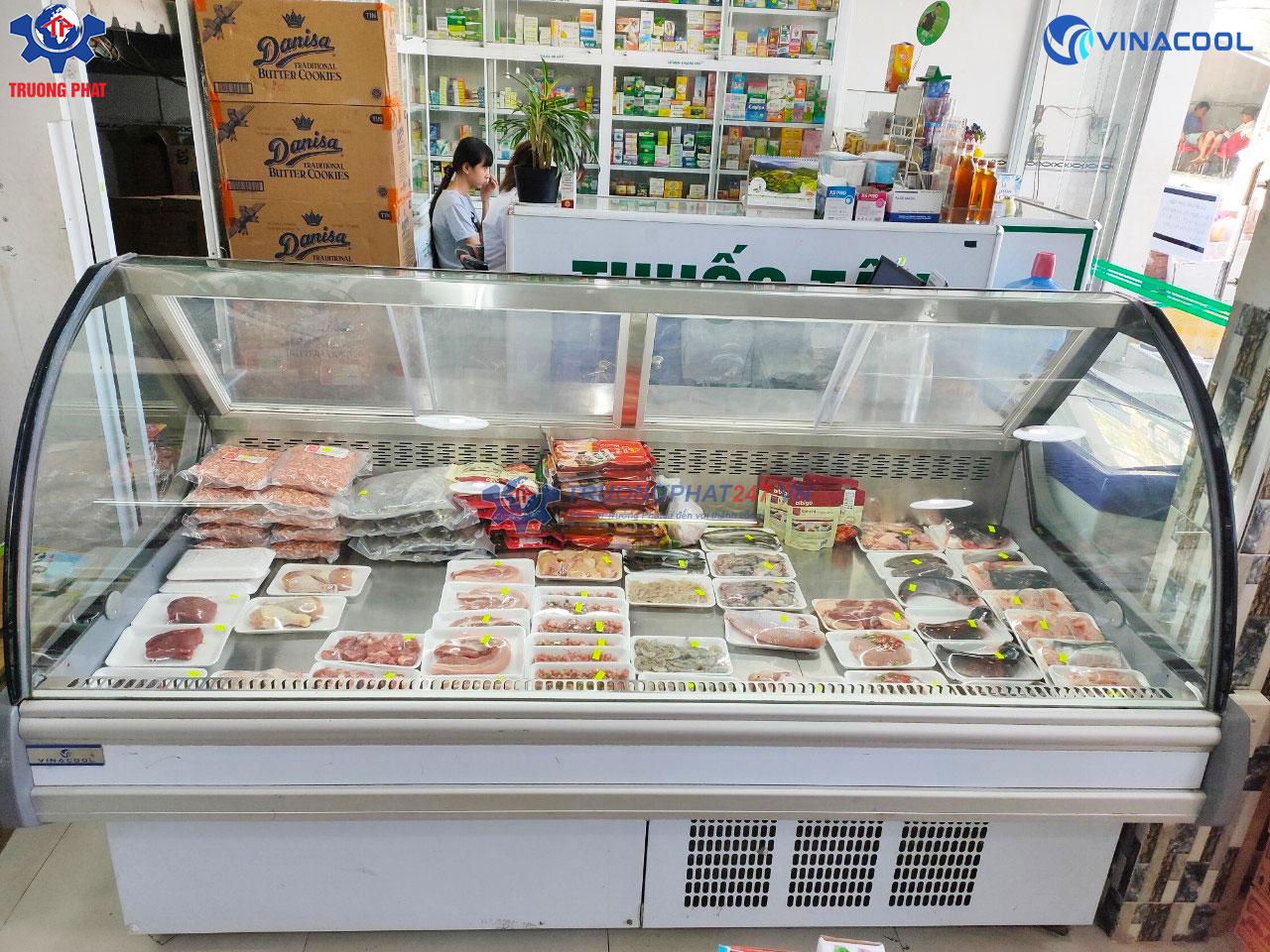 tủ trưng bày thịt cá tươi sống