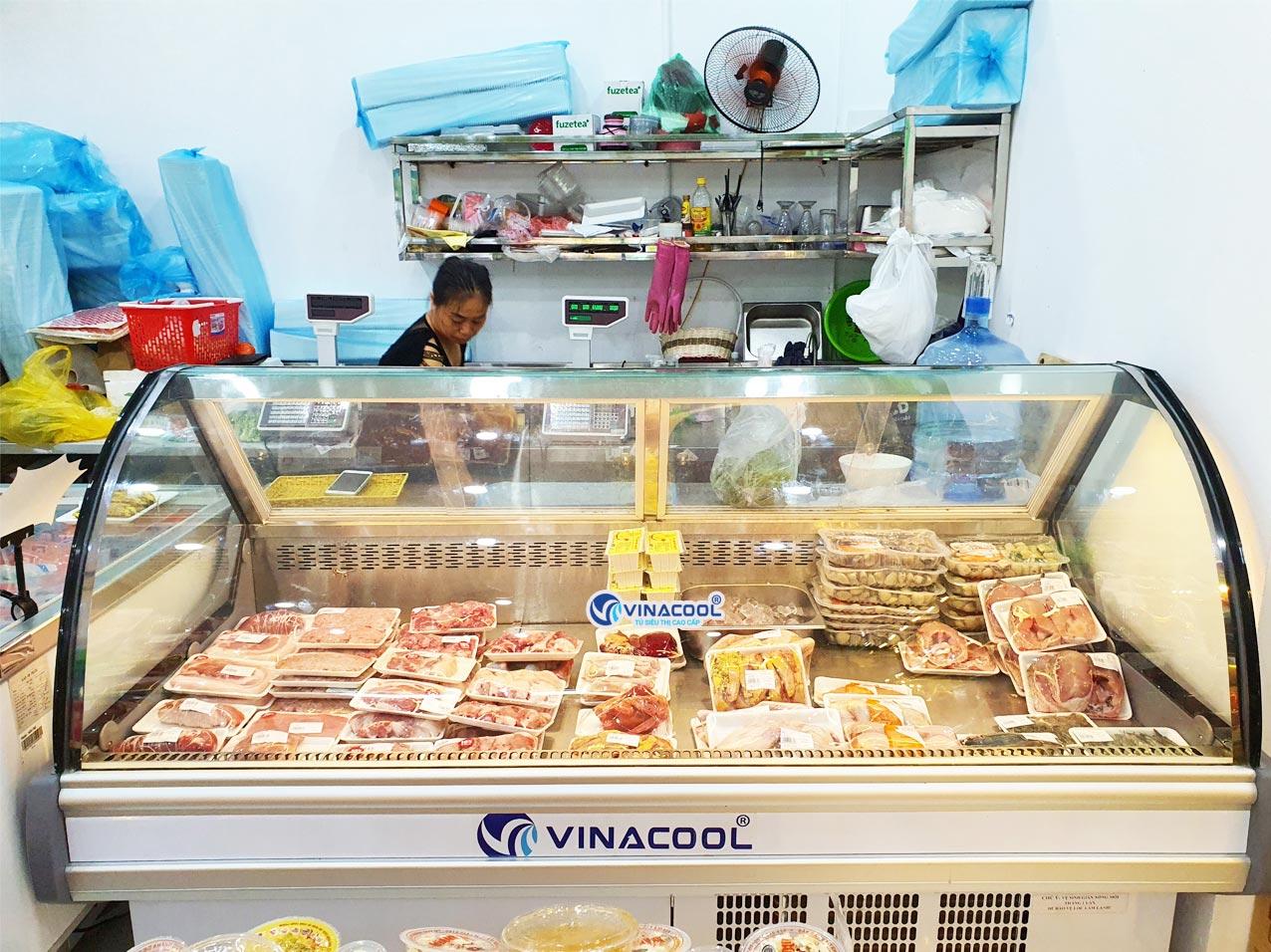 tủ trưng bày thịt tươi sống