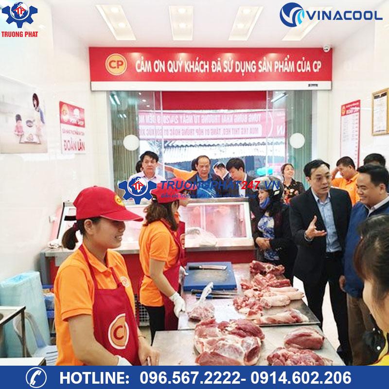 Lắp đặt tủ mát đựng thịt lợn sạch tại chuỗi cửa hàng thực phẩm CP Foods