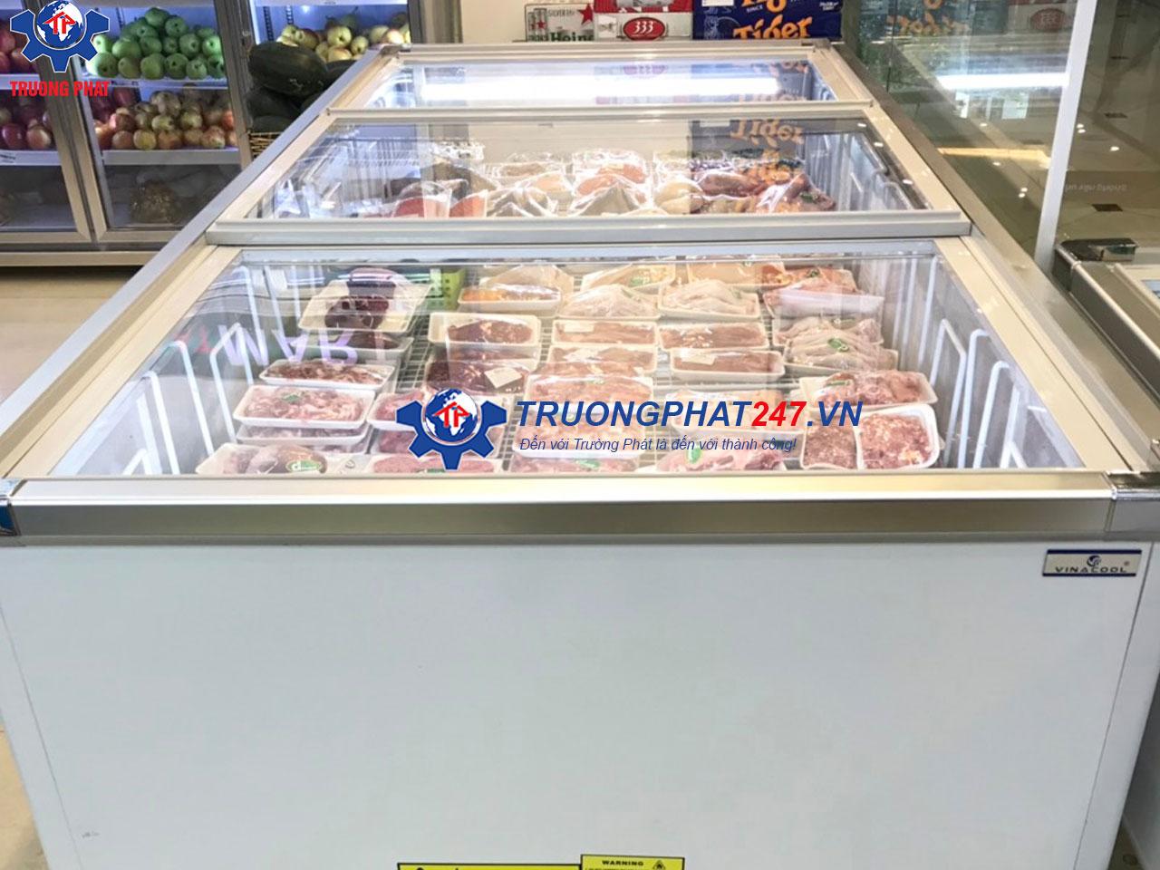 tủ đông trưng bày thịt tươi siêu thị Việt Ý Mart
