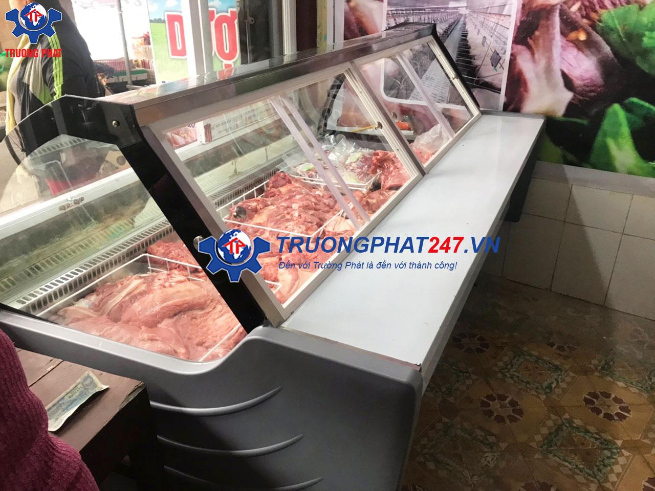 tủ mát trưng bày thịt tươi cửa mở sau