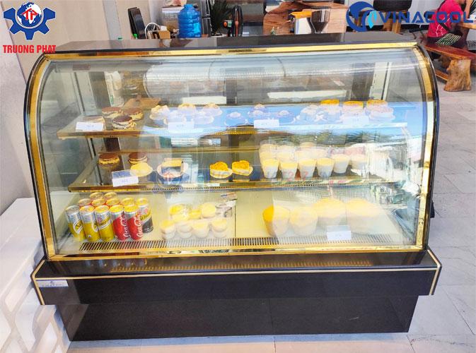 tủ trưng bày bánh kem kính cong dài 1m5