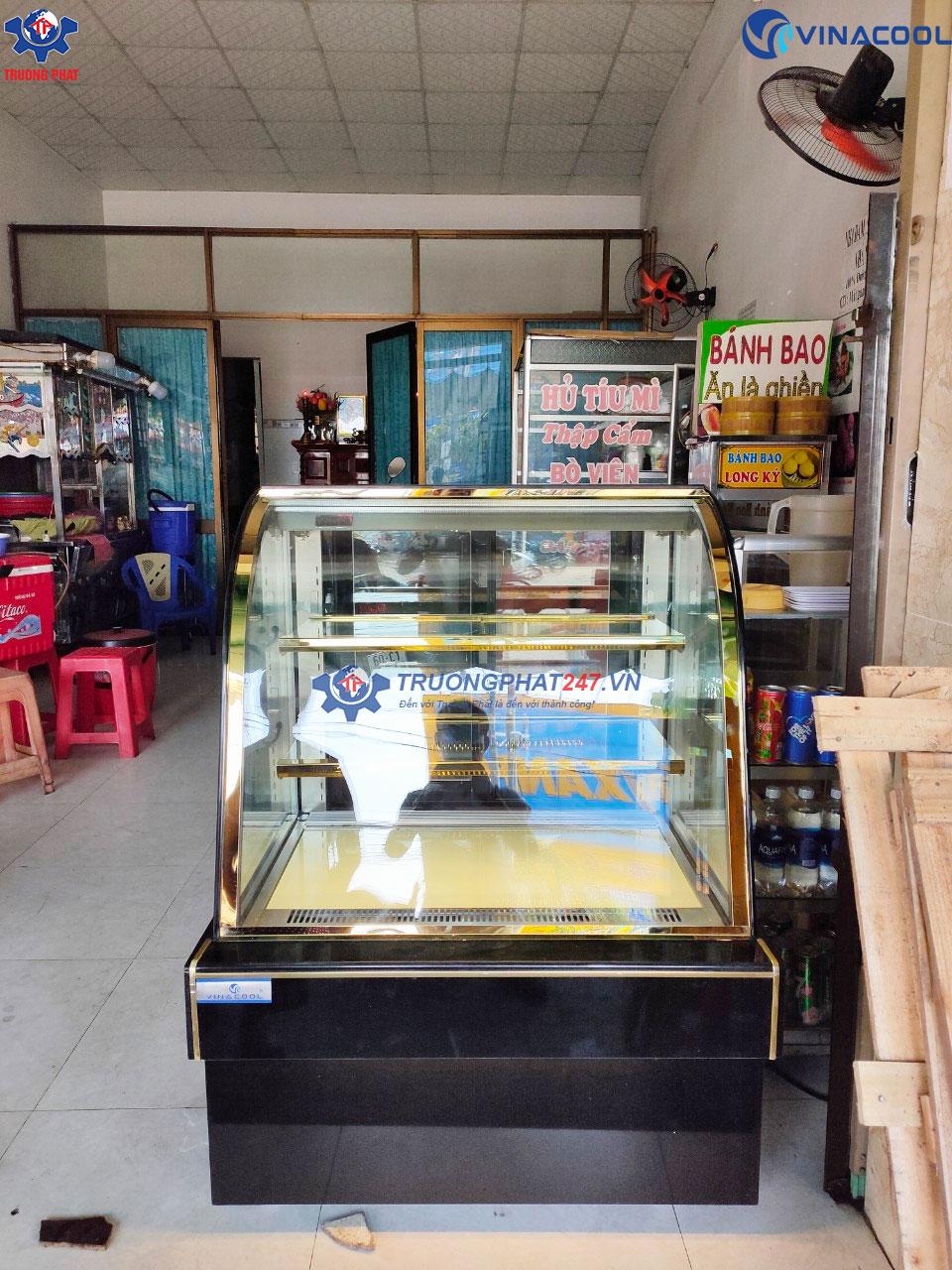 tủ kính trưng bày bánh kem dài 90cm màu đen