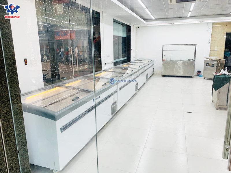 tủ trưng bày thực phẩm siêu thị