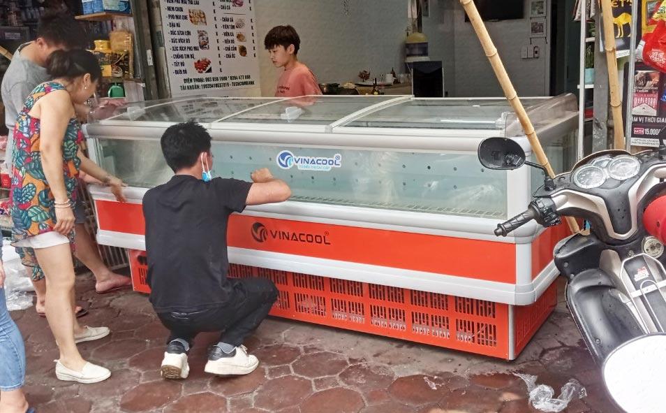 tủ đông dài 2m5 trưng bày thực phẩm đông lạnh